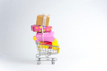 11-18 holiday shopping small